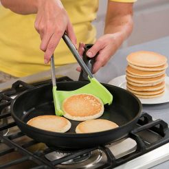 2-in-1 Spatula and Tongs-pancakes